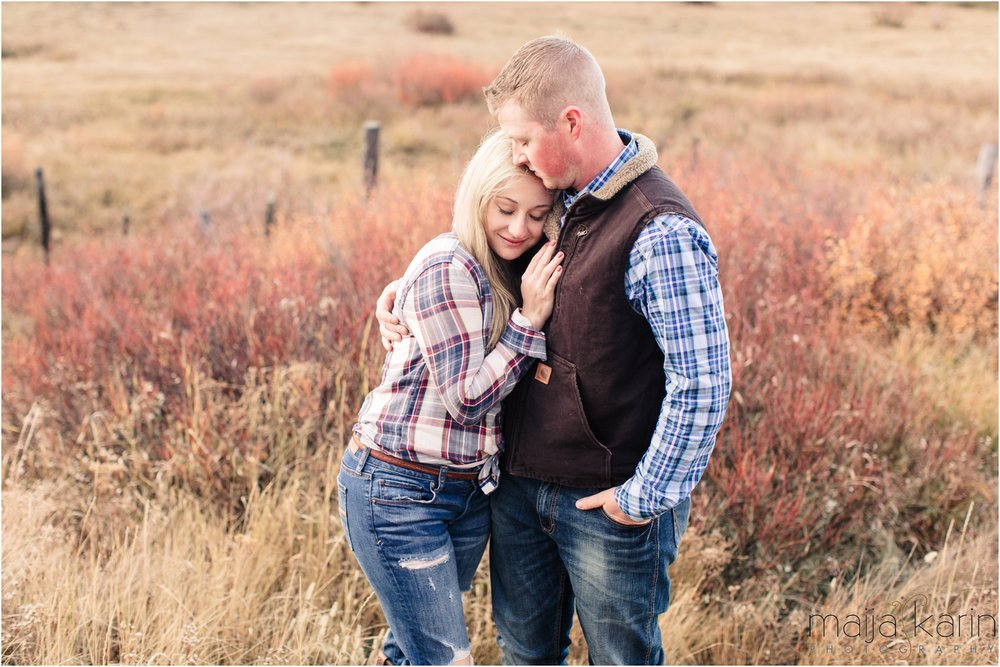 Stanley-Lake-Engagement-portraits-Maija-Karin-Photography_0041.jpg