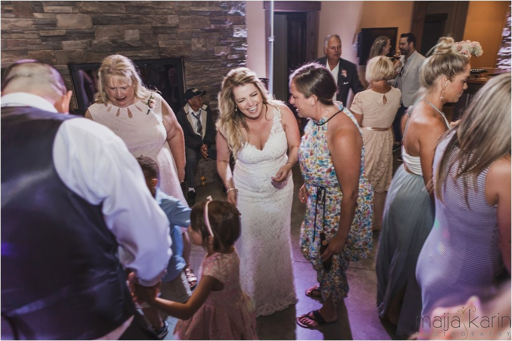 Silvara-winery-wedding-maija-karin-photography69.jpg