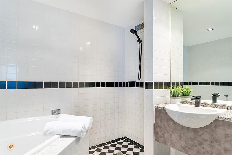Superior-Room-Bathroom-1.jpg
