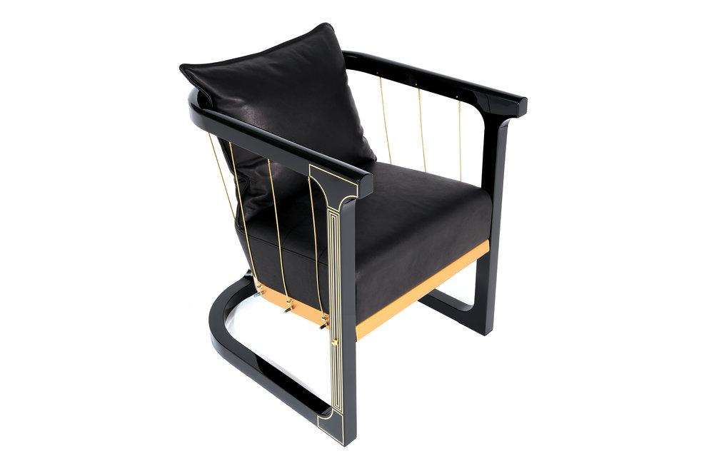 Grand_armchair_Glen_Baghurst_Felix_Lenz 2.jpg