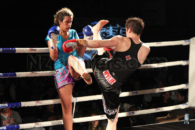 Bronwyn Wylie vs Tegan Papasergi king in the ring
