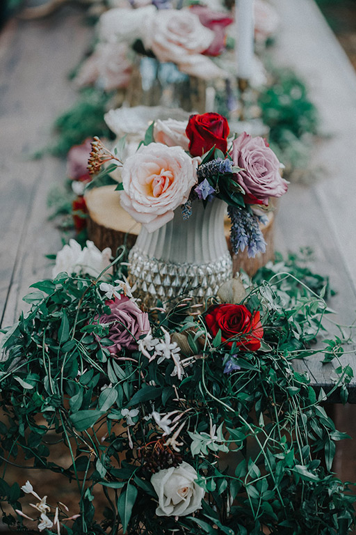 rustic-table-flowers-wedding-moody-auckland-gold.jpg