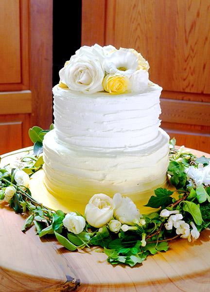 yellow-wedding-flowers-cake-auckland-vines.jpg