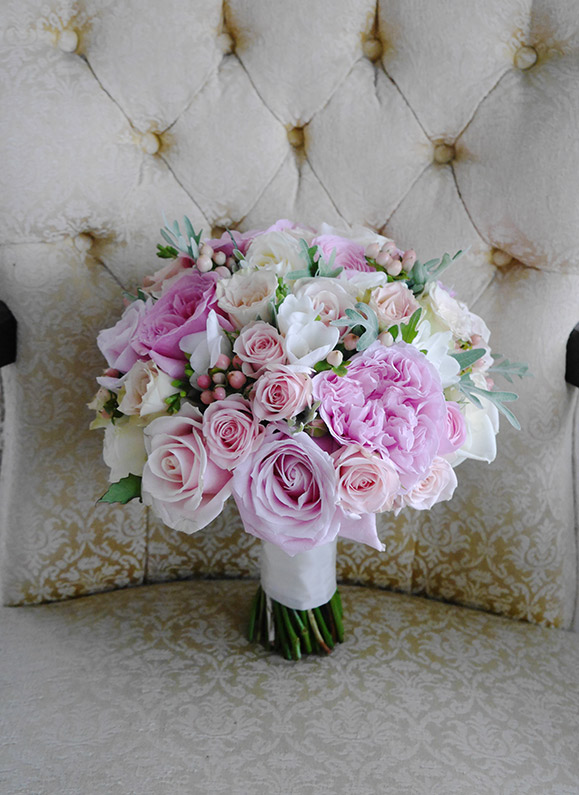 pink-rose-silver-berry-bouquet-flowers-auckland-wedding.jpg