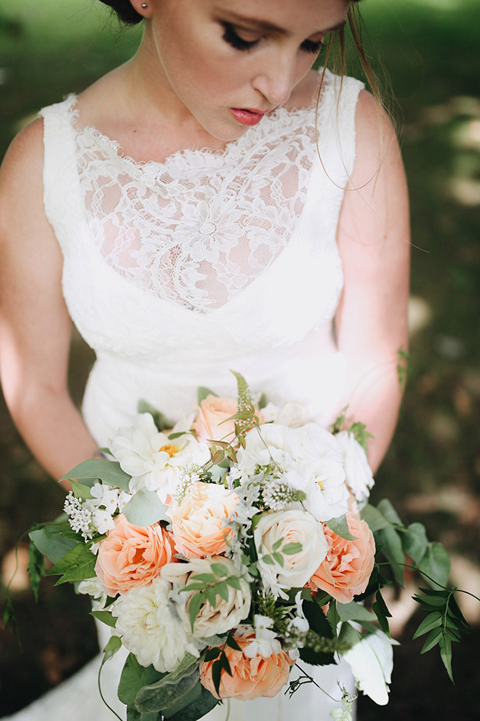 wedding-flowers-bouquet-peach-cream-auckland.jpg