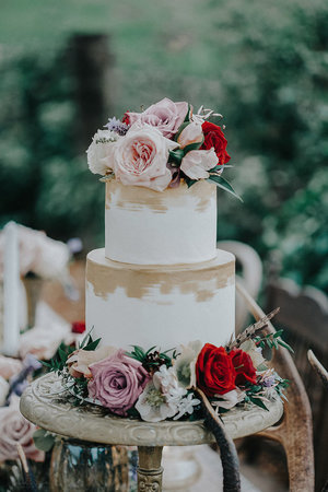 Blossom wedding flowers wedding cake rustic flowers auckland goldg junglespirit