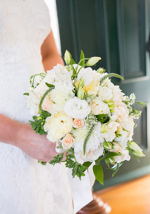 cream-white-whimsical-wedding-flowers-bouquet-auckland.jpg