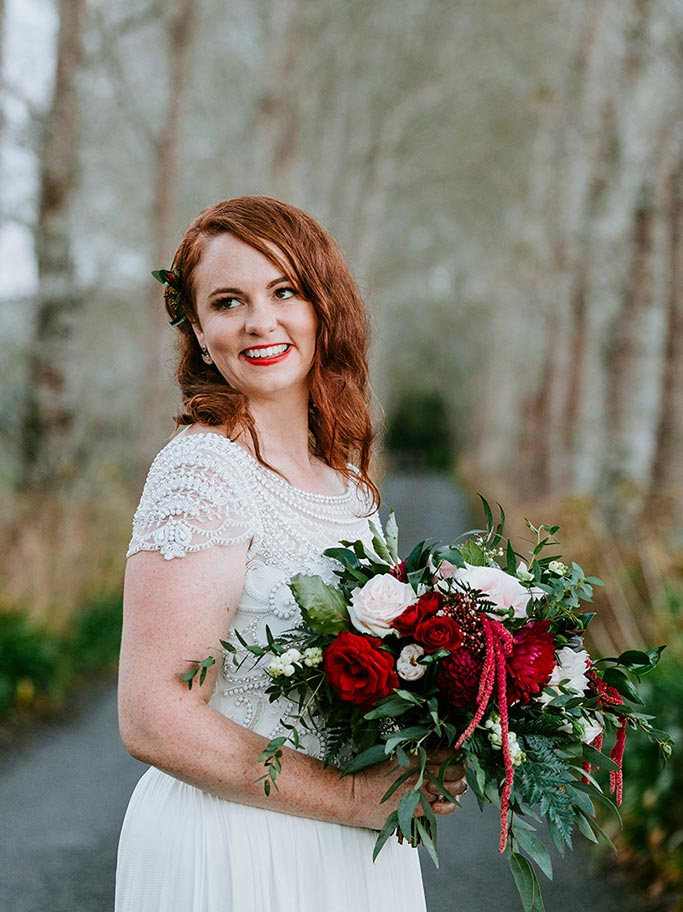 maroon-bouquet-auckland-wedding-flowers.jpg