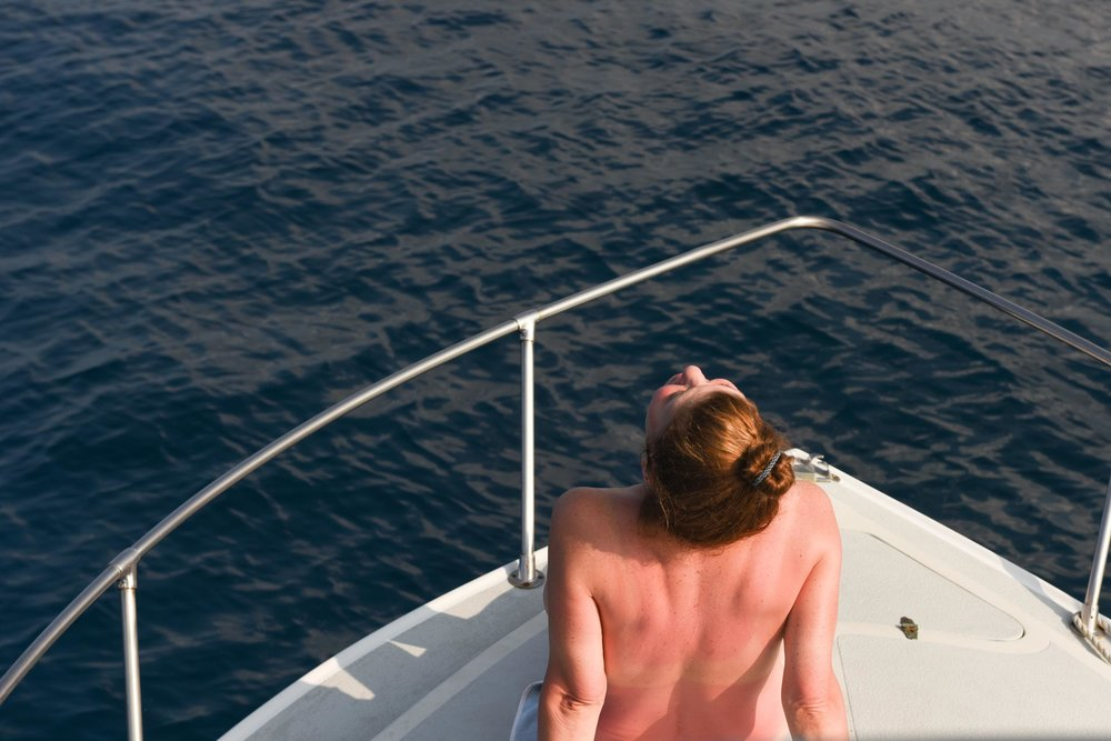 nude-on-boat