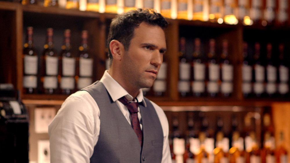 dewars - bartender.jpg