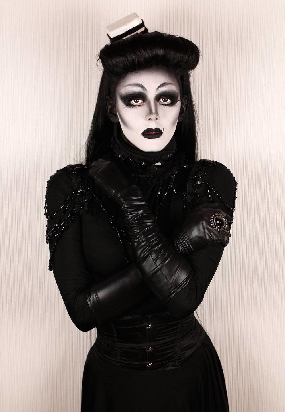 Gothika 4 - Liquorice Black by Jose Hernandez.jpg