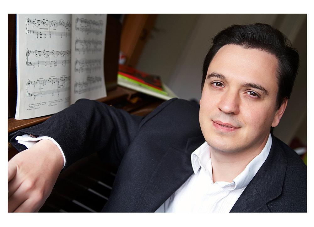 Alexander Zolotarev - Klavier