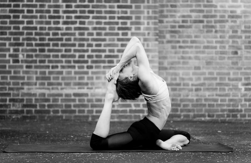 Alix Yoga 2-131.jpg