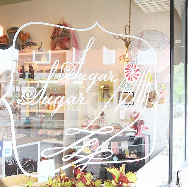 Happy Friday! Treat yo'self with a goodie from a local, women-owned business! We tried @sugarsugarshoppe and loved this darling space. Thanks for showing us around and telling us your story, Tracy 🍭🍬 • • • • #yesway #yeswaytravel #womenownedbusiness #femaleowned #womenowned #minneapolis #exploremn #sugarsugar #candy #sugarsweet #treatyoself