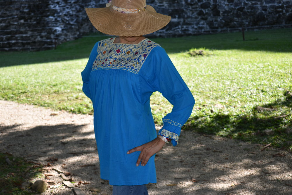 How To Wear A Mexican Blouse With Style Nikte Couture