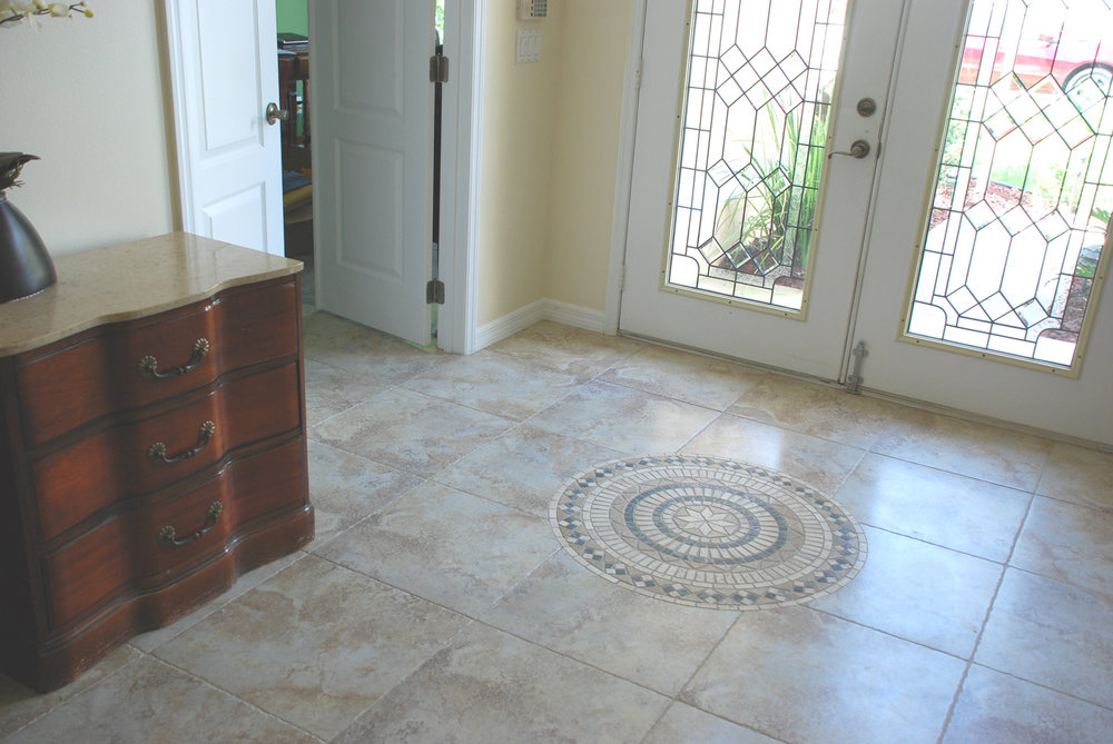 foyer-tile-medallion.jpg