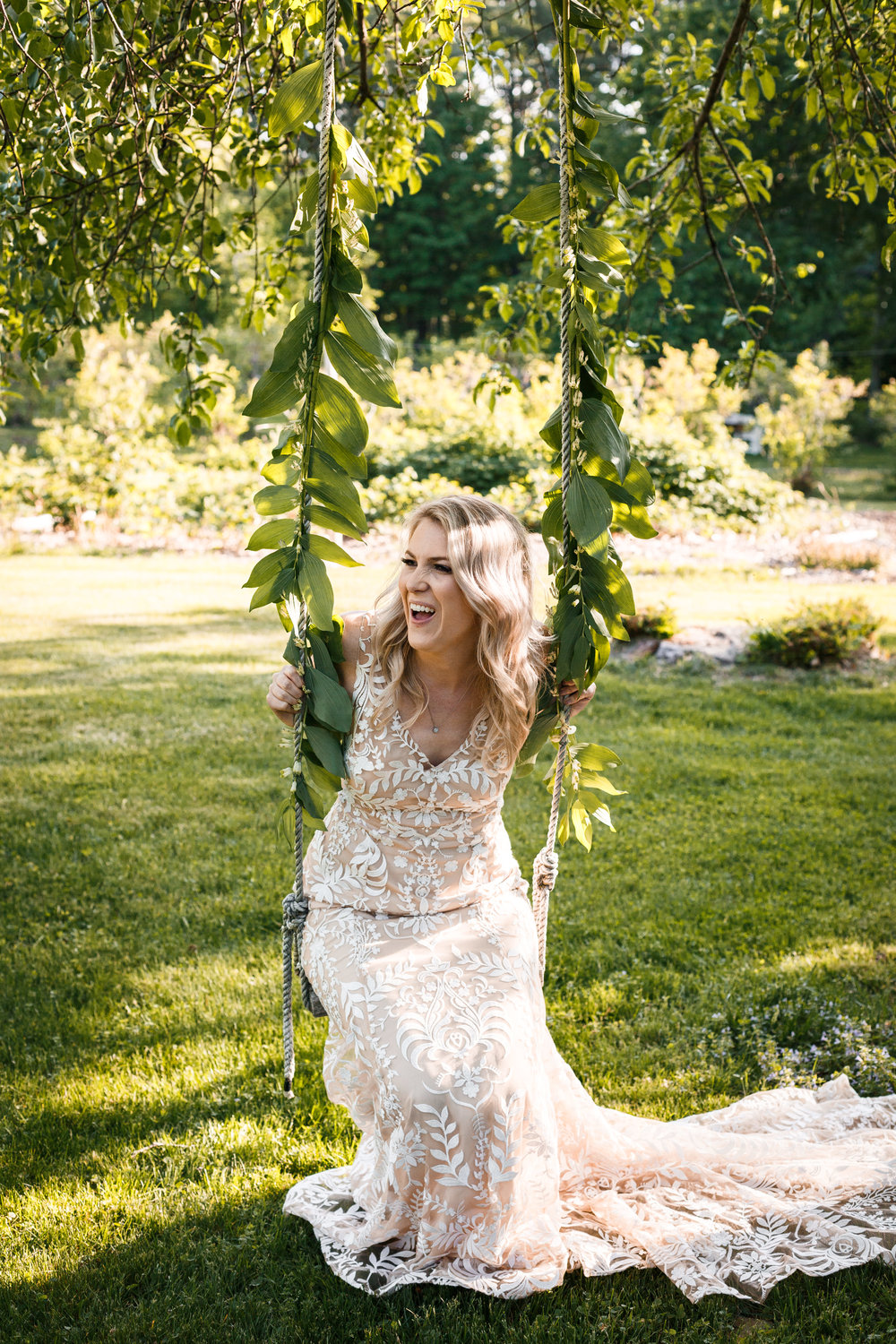 409_maple_moon_farm_lulu_and_co_inspiration_shoot_lebanon_maine_wedding_photographer_whitney_j_fox_9612.jpg