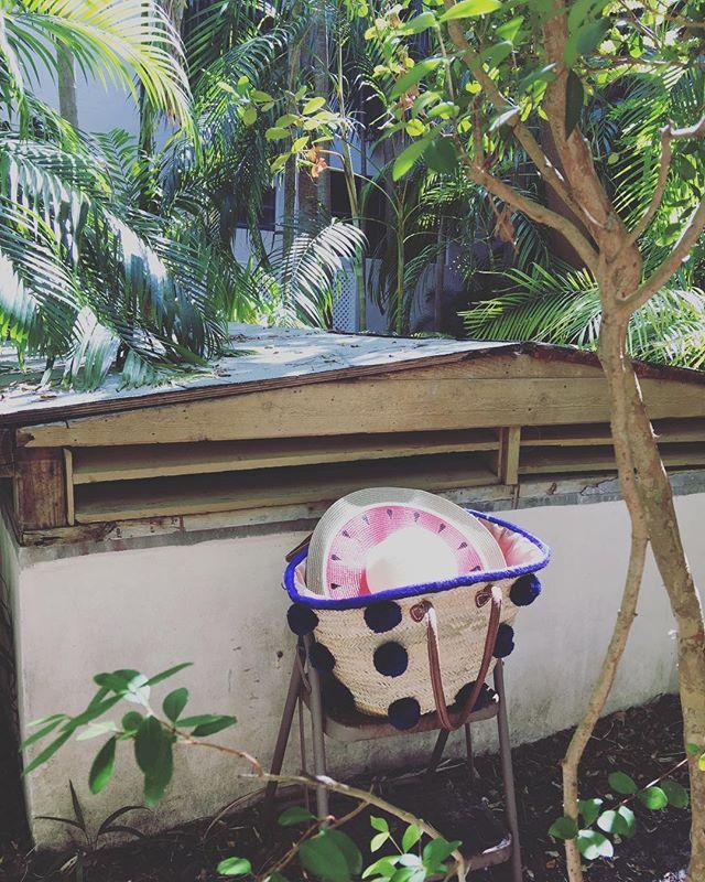 Sunday Vibes #shopkikinyc #kiki❤️#pompomtote #sundayvibes #totes #watermelon #tropical