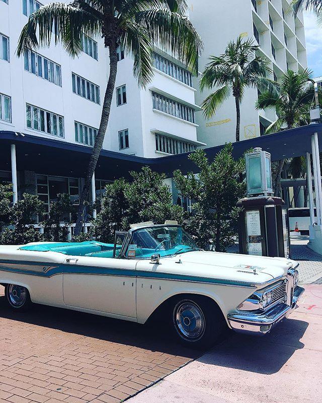 Miami Vice🌴#shopkikinyc #kiki❤️#miami #photoshoot #miamivice #vintagecar #sunsout