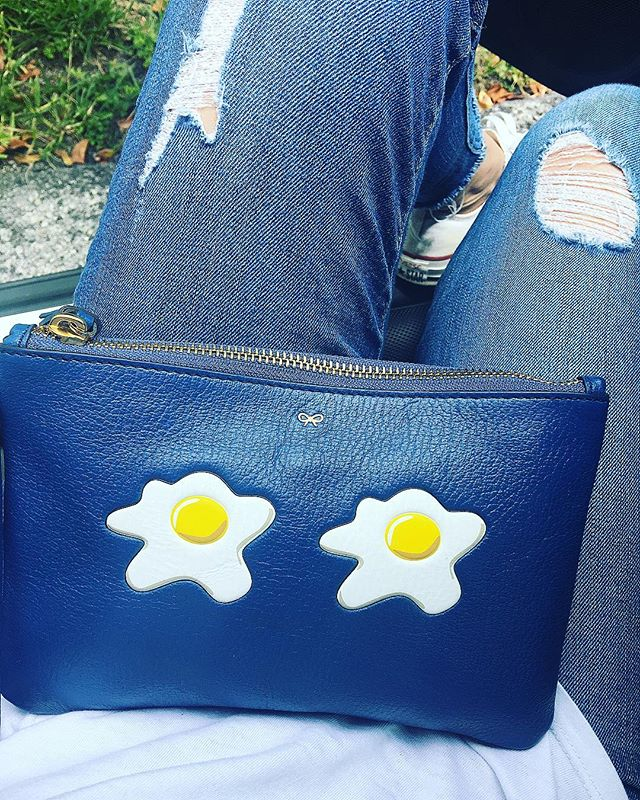 Sunny Side Up 🍳#kiki❤️#sunnysideup #anyahindmarch #sunnymiami #eggs #popart #londondesigner