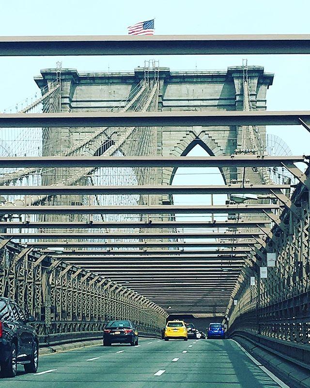 Welcome to NYC ❤️#shopkikinyc #newyorkcity #brooklynbridge #cityview #kiki❤️