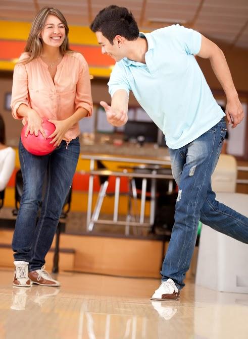Fargo-couple-bowling-date.jpg