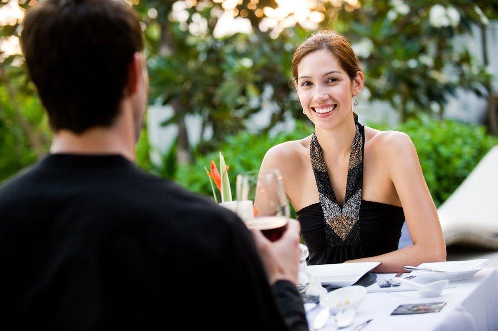 Phoenix Woman on a date