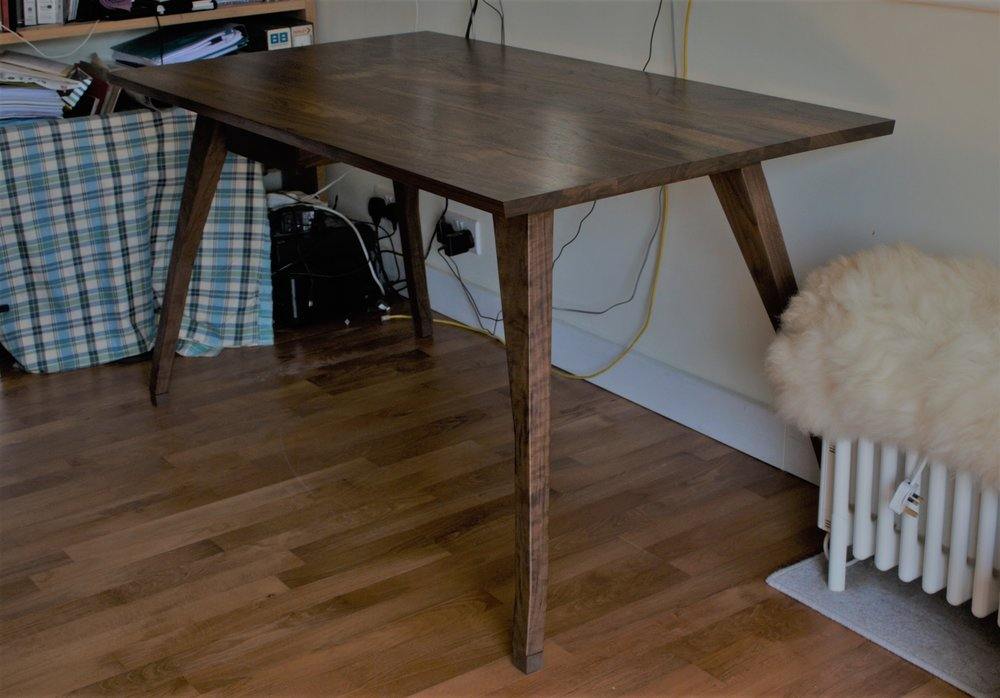 Heliconia_Furniture_Foal_Desk_Installed1.jpg