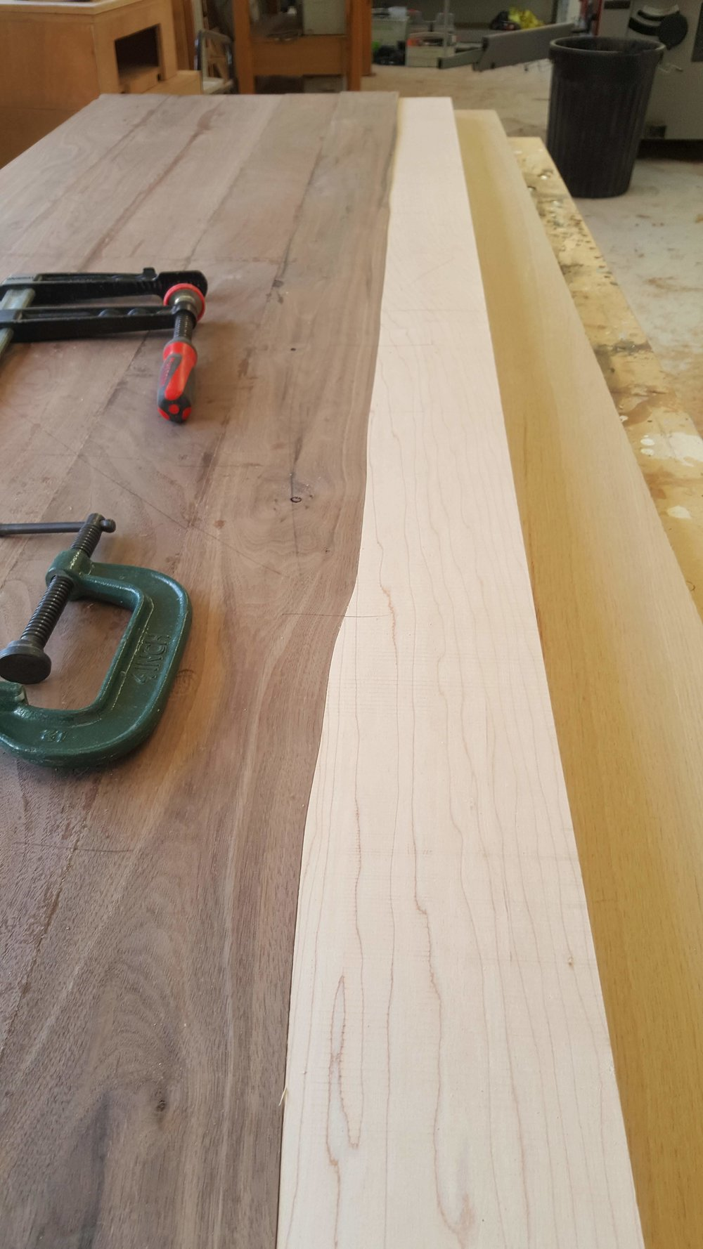 Heliconia_Furniturte_WalnutMaple_DiningTable_waveTemplating (5).jpg