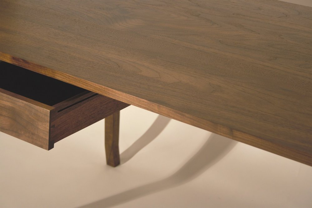 Heliconia_Furniture_Foal_Desk_finished6.jpg