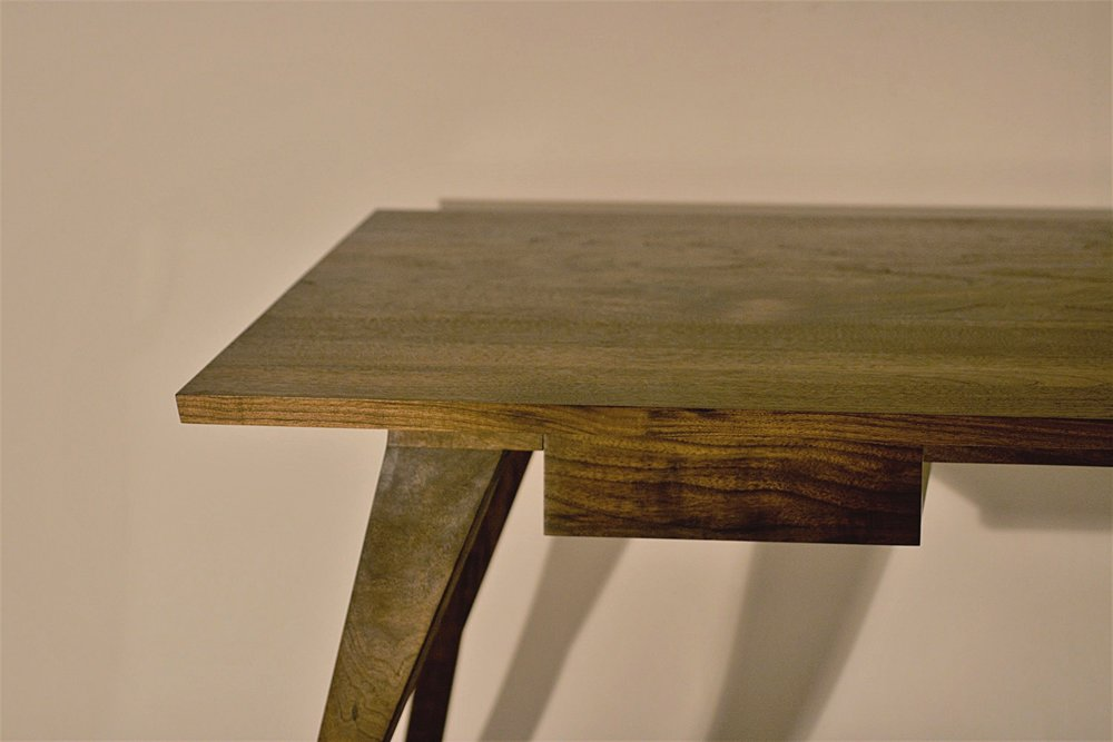 Heliconia_Furniture_Foal_Desk_finished2.jpg