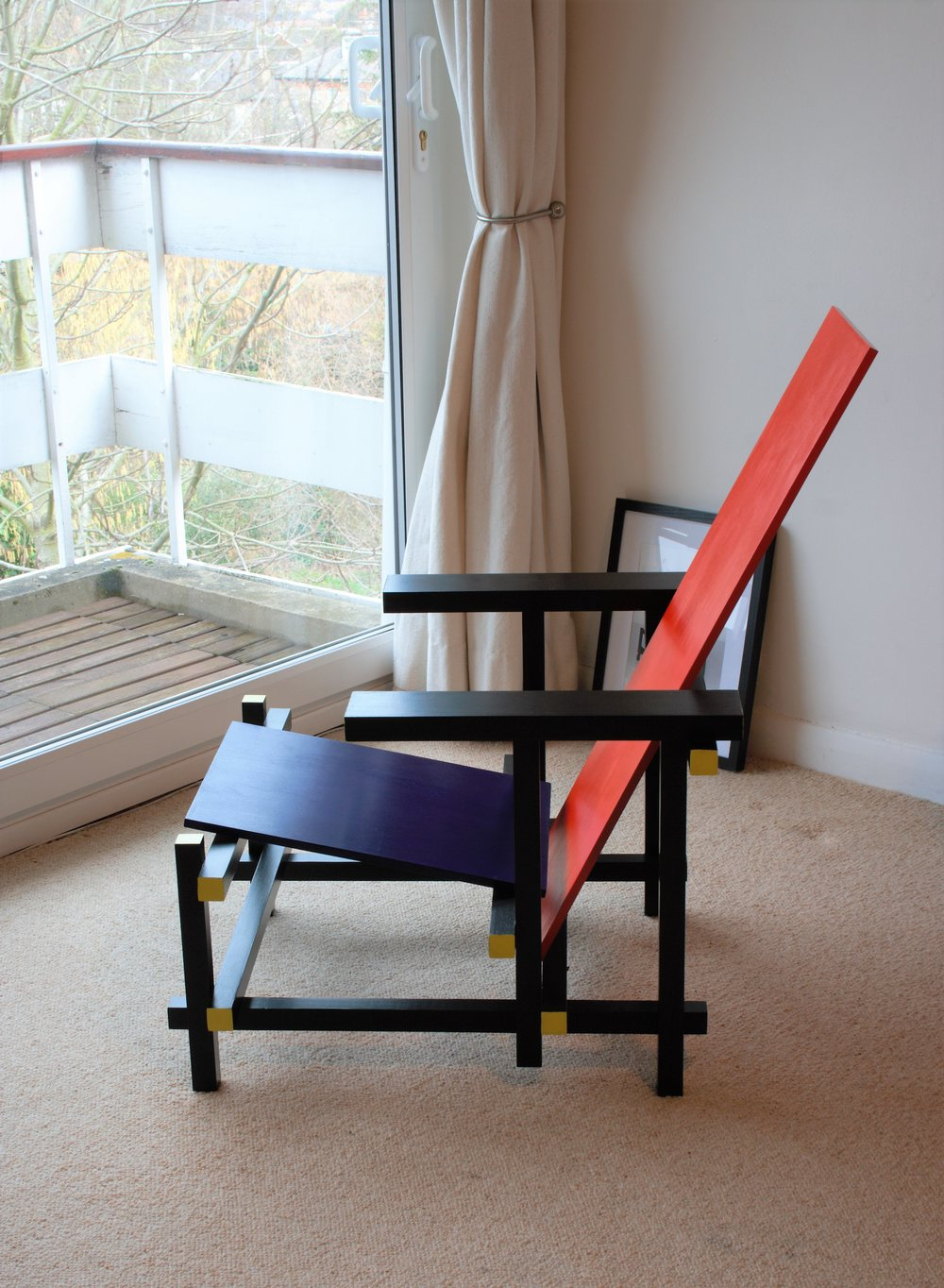 Heliconia_Furniture_Rietveld_RedBlueChair6.jpg