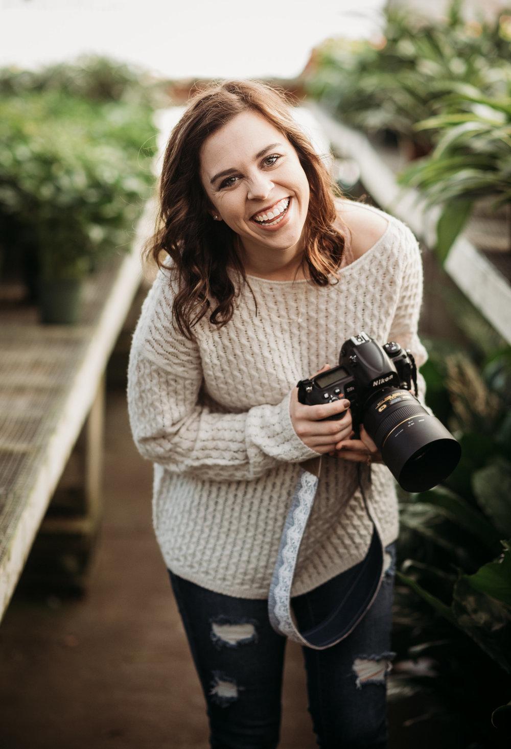 Kelsey Homolka headshots-0016.jpg