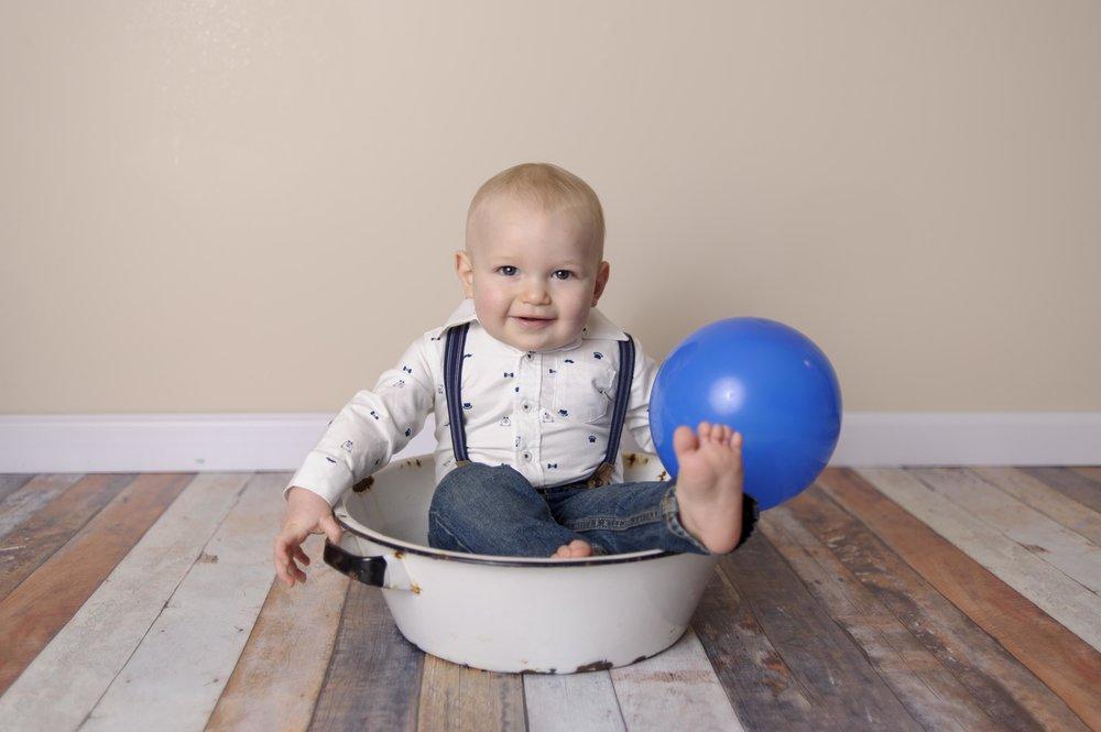 nebraska-photographer-kelsey-nerud-first-birthday-boy-pictures-1.jpg