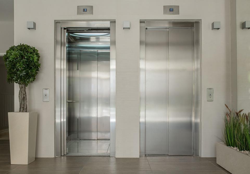 elevator-1756630_960_720.jpg