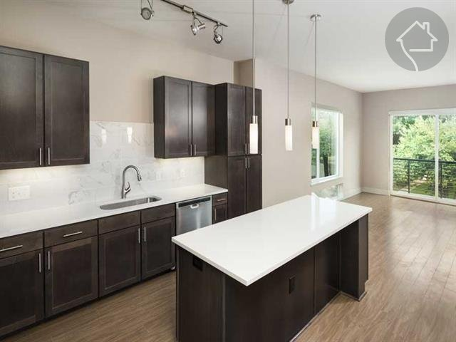 Knox Heights Click for Pricing