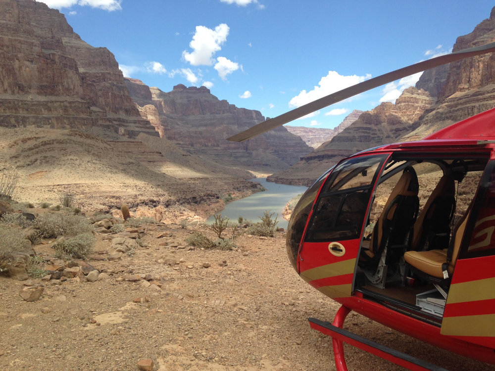 Deluxe Grand Canyon Adventure - From the sensation of lift-off to the excitement of soaring through the Grand Canyon, this tour will be a unique and spectacular experience.