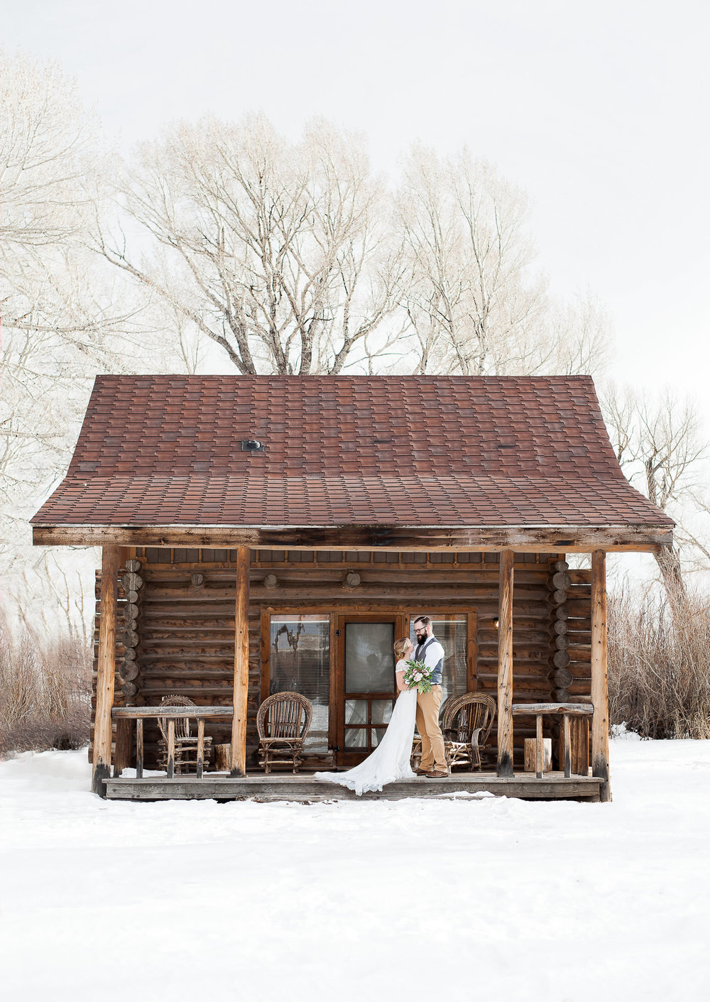 This beautiful cabin is located at the Vee Bar Guest ranch in Centennial.  I loved every minute of this styled winter inspirational shoot, and it was featured in Rocky Mountain Bride this summer.   https://www.wyomingweddingphotographer.com/megan-lee-photography/featured-rocky-mountain-bride-magazine