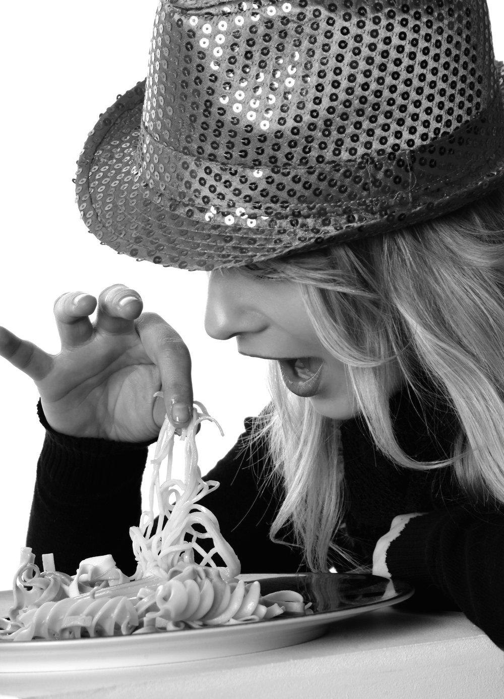girl-eat-finger-food-model-48903.jpeg