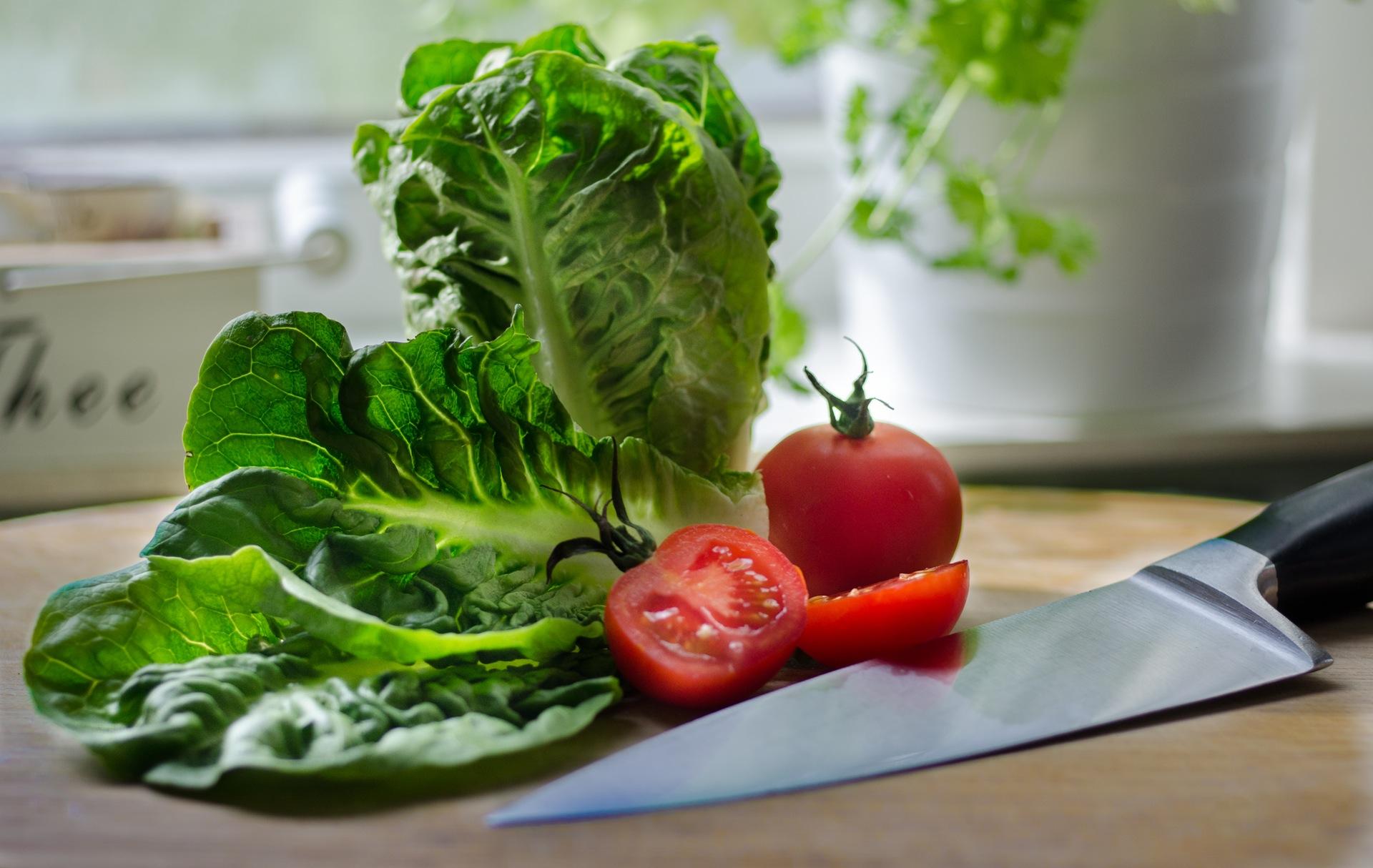 salad-restaurant-tomatoes-kitchen