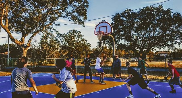 """Basketball practice. """"The best to find yourself is to lose yourself in the service of others"""". #passion #basketball #volunteer #practice #sports #sportsphotography #coach"""