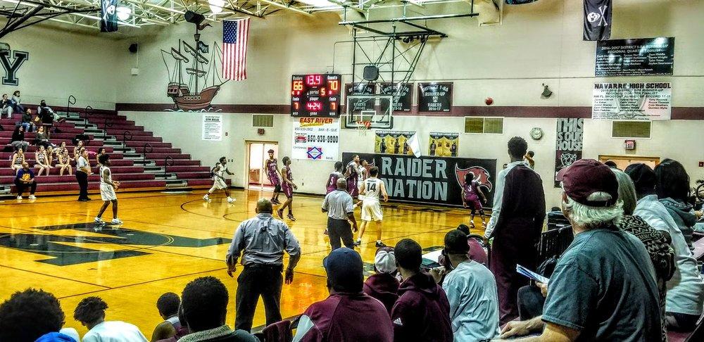 Navarre Basketball Varsity 3.jpg