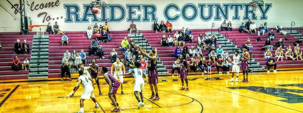 Navarre Basketball Varsity 4.jpg