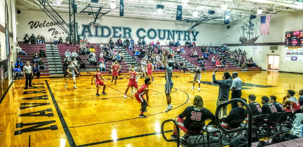 Navarre Basketball Varsity 7.jpg