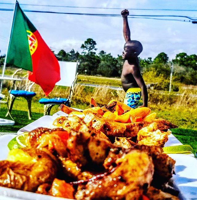 Free. #free #africa #triumph #happy #portugal #food #child #victory #world #explore #travel