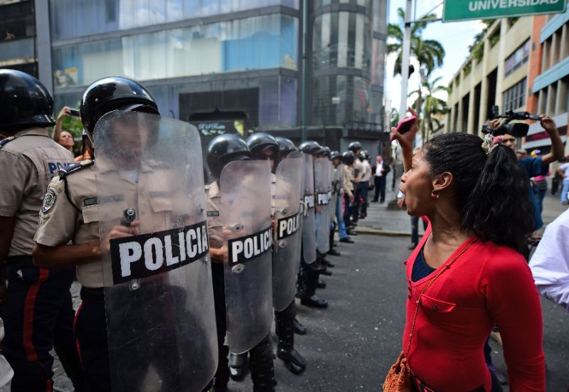 Venezuela's Unrest:Photo by  Ronaldo Schemidt