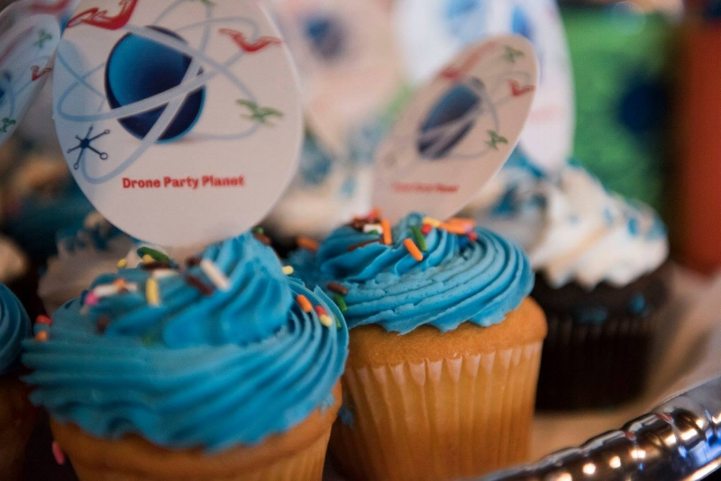 Drone Party Planet Cup Cakes