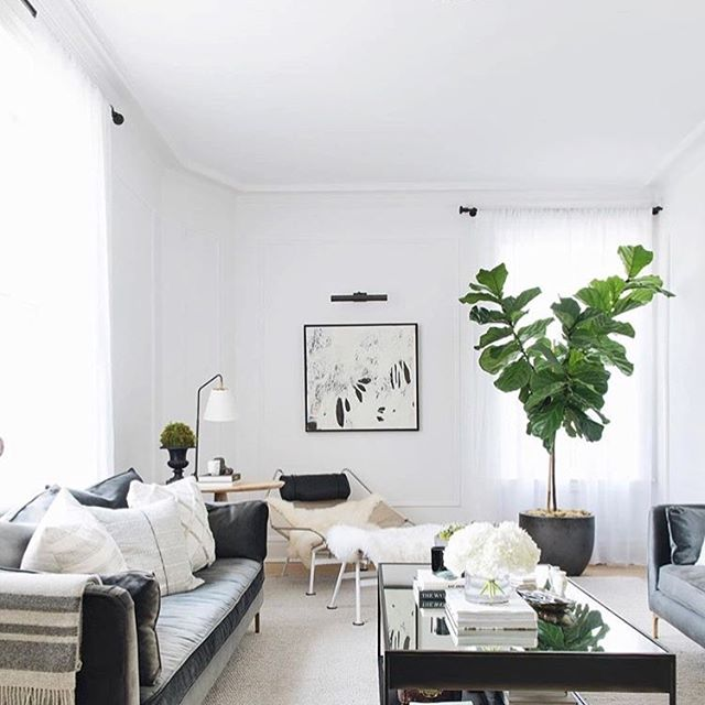 White & grey vibes straight from @theeverygirl_ #HomeDecorVibes #LoveHomeDecor #JoinTheJourney