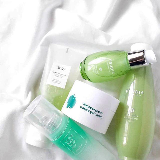 💫Frudia Pore Control Toner & Serum 💚 Thanks to @peachkao 😘 . . . . #frudiaUSA #faceforward #fruit #fruitforward #beautyblogger #instapic #instabeauty #beauty #beautiful #ny #nyc #instagood #instalove #instadaily #instalike #skincare #skin #blog #kbeauty #korea #pore #moisturizer #beautyaddict
