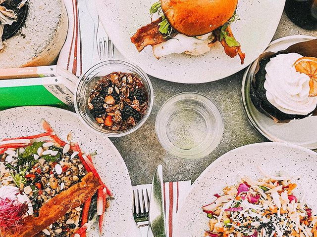 If five5eeds isn't the first thing that comes to mind when you think of Sunday brunch, then what are you doing with your life? 🌞  Photo Credit: @maddiepercy_